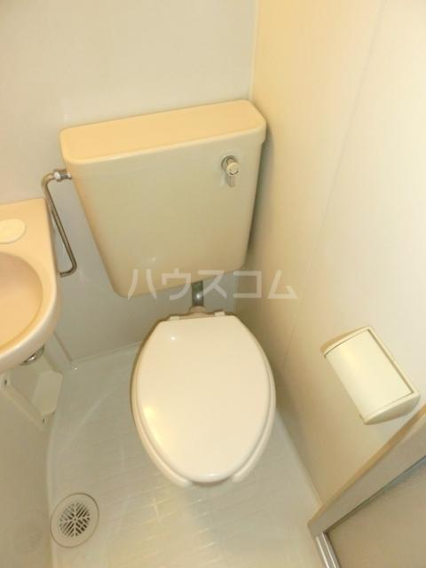 アムス谷塚 0208号室のトイレ