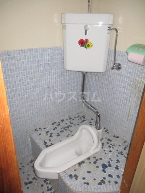 佐々木マンション 401号室のトイレ