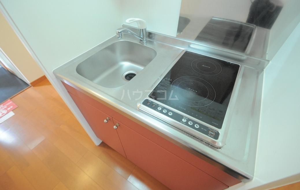 レオパレスハル 203号室のキッチン