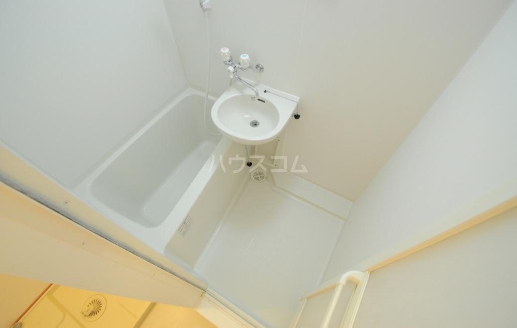レオパレスハル 203号室の風呂