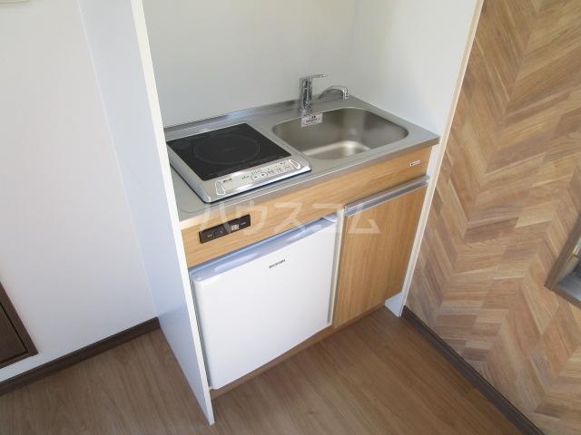 リトルシャトーナガクラ 401号室のキッチン