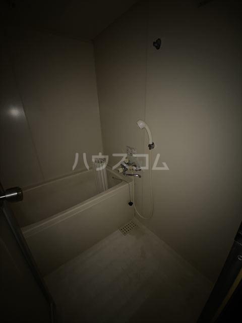 ドルフヤマノウチB 202号室の風呂