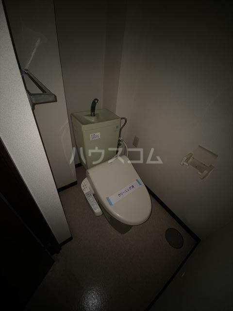 ドルフヤマノウチB 202号室のトイレ