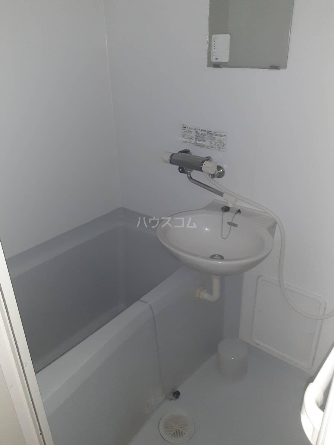 レオパレスGJ 108号室のトイレ