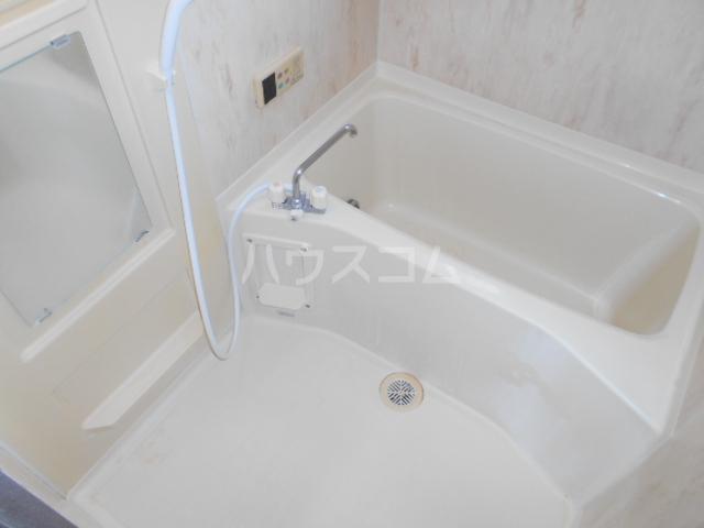 グランファーレB 102号室の風呂