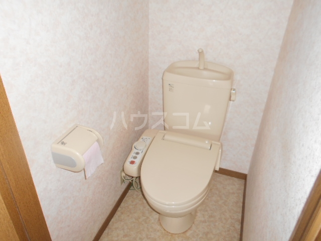 グランファーレB 102号室のトイレ