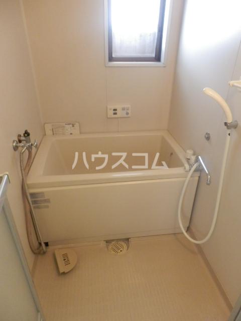 シャンポール原Ⅰ 403号室の風呂
