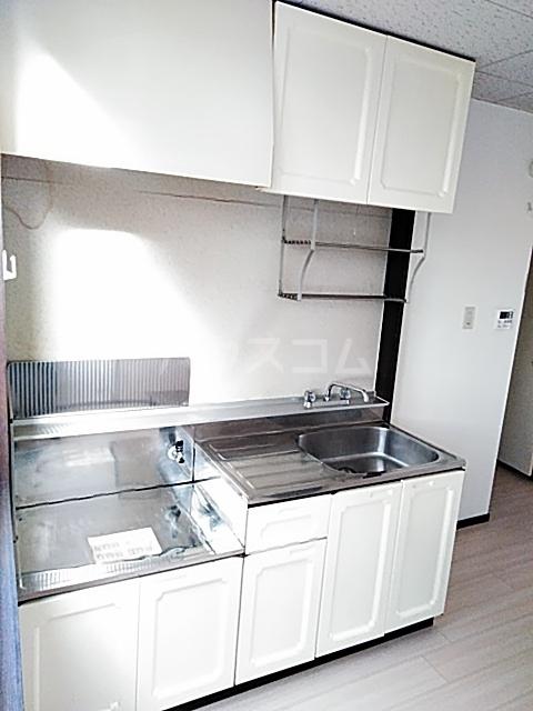 ファミールちおりⅡ 101号室のキッチン