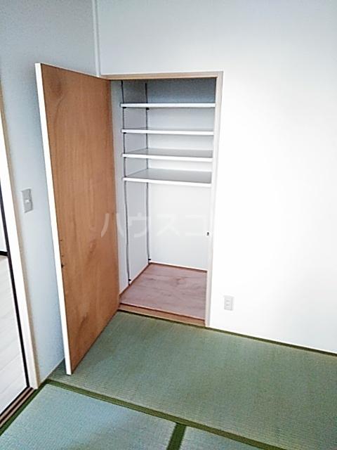 ファミールちおりⅡ 101号室の居室