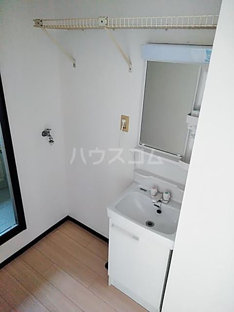 ファミールちおりⅡ 101号室の洗面所