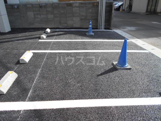 ラミューズ宇都宮 105号室の駐車場