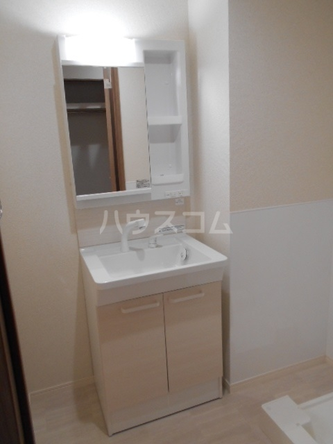 ラミューズ宇都宮 105号室の洗面所