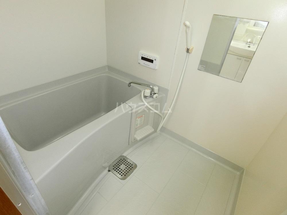 メゾン21 101号室の風呂