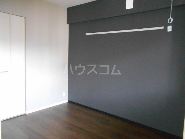 APエルテージ地行 510号室の居室