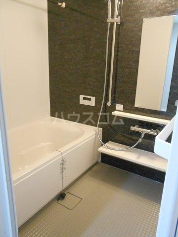 APエルテージ地行 510号室の風呂