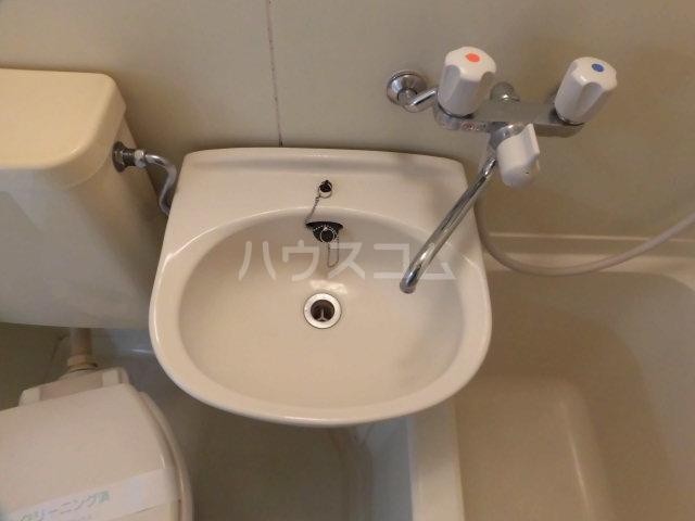 サンアベニューA 102号室の洗面所