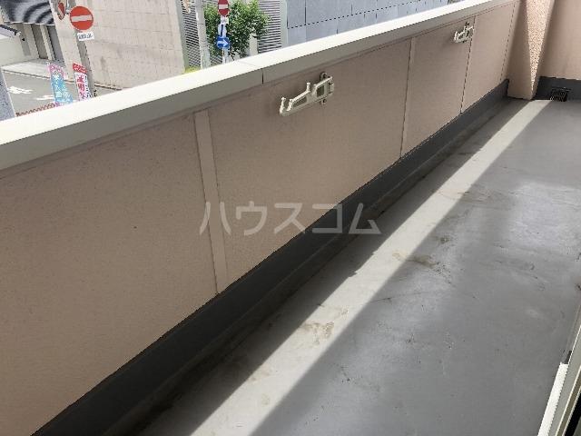 シャルム上野西 202号室のバルコニー