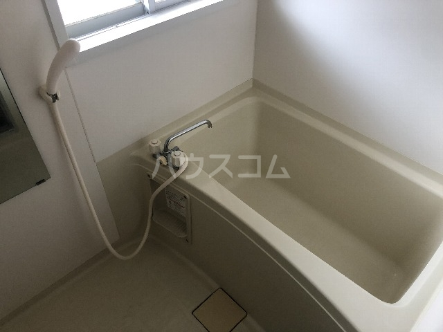 シャルム上野西 202号室の風呂