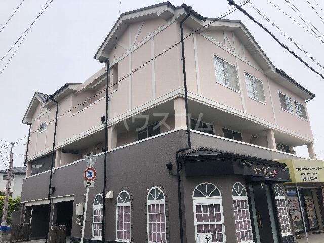 シャルム上野西 202号室の外観