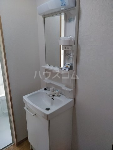 泉1丁目貸家の洗面所