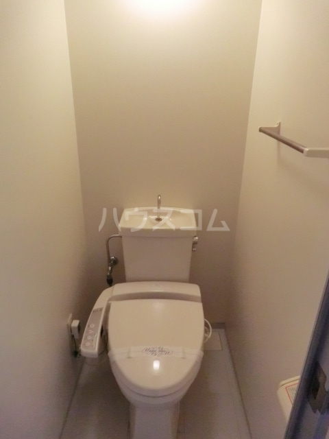 アービス桂 103号室のトイレ