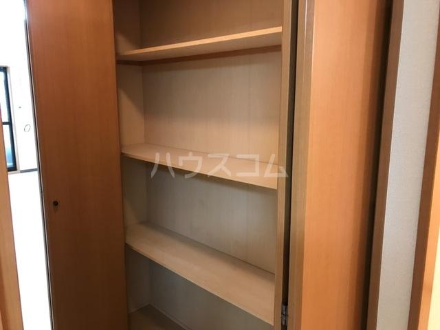 コンフォート・サラ 202号室の収納