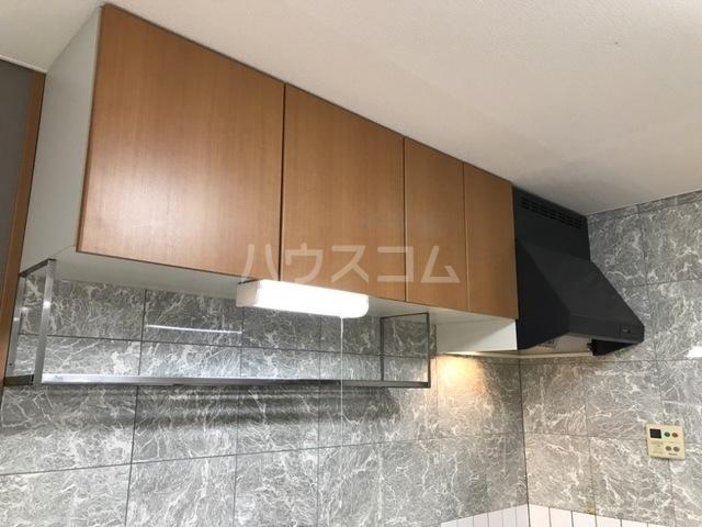 コンフォート・サラ 202号室のキッチン