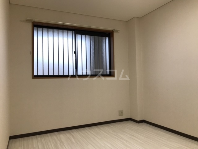 コンフォート・サラ 202号室の洗面所