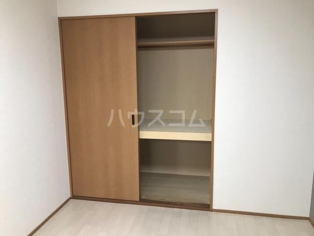 コンフォート・サラ 202号室の玄関
