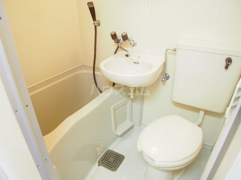 クイーンズガーデン 202号室の設備