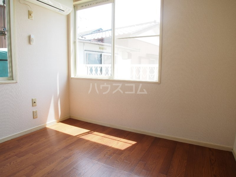 クイーンズガーデン 202号室の風呂