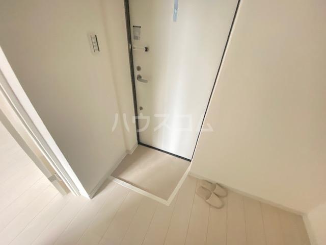 アドヴァンスTT 2号館 302号室の玄関