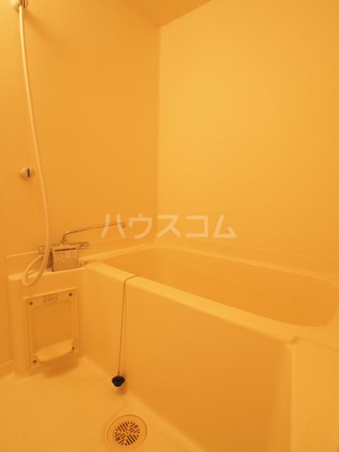 イースト・リバージュ 101号室の風呂