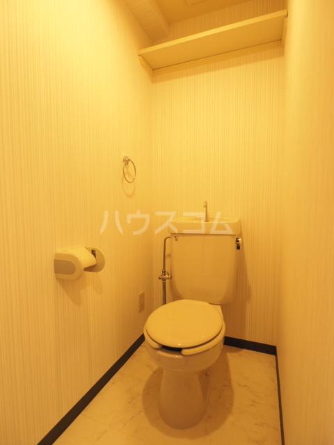 イースト・リバージュ 101号室のトイレ