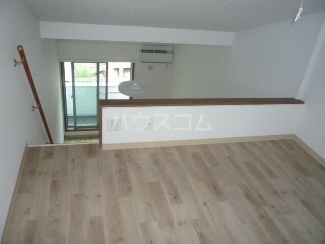 エスコートパレス南太田 201号室のキッチン