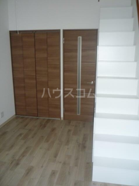 エスコートパレス南太田 201号室のベッドルーム