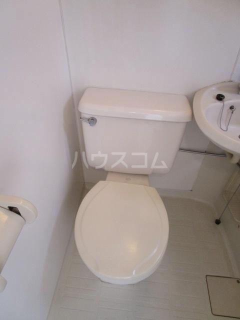 ラスールシライ 203号室のトイレ