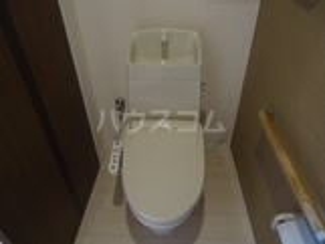 ディアベルジュ 201号室のトイレ