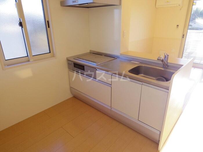 スローライフさしま 201号室のキッチン