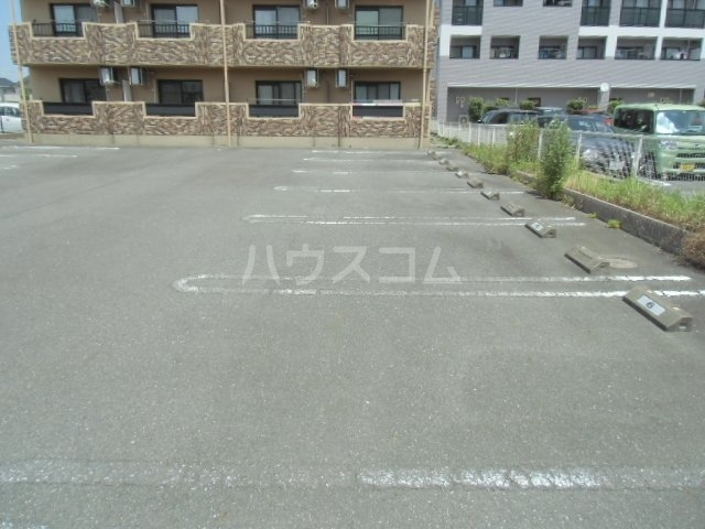 VIENT FUTURE 305号室の駐車場