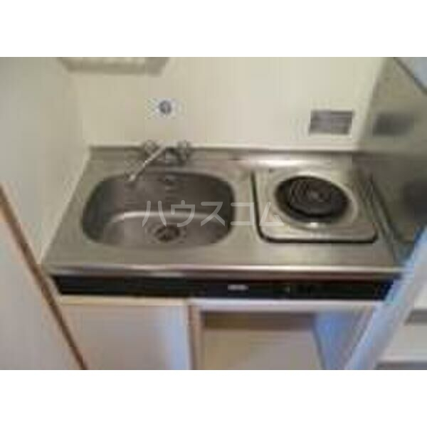PLEAST竹下 605号室のキッチン