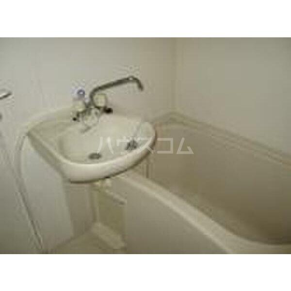 PLEAST竹下 605号室の風呂