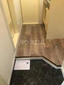 ハイツトーワ 203号室の玄関