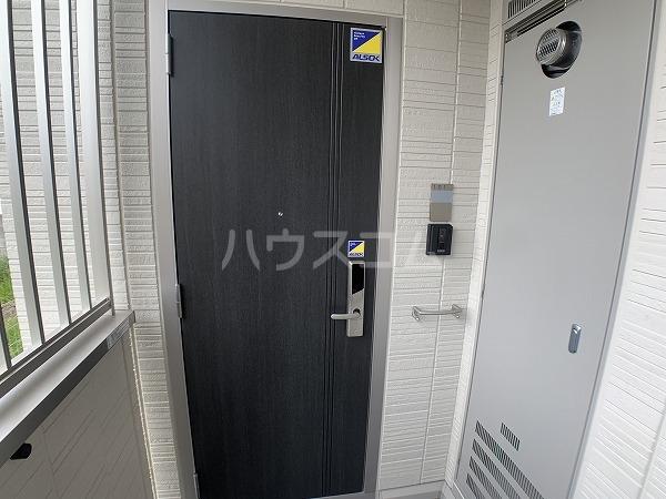 ジャルディーノ 101号室の玄関