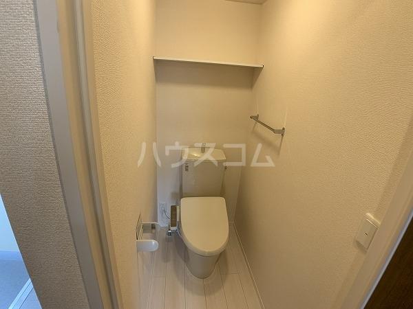 ジャルディーノ 101号室のトイレ