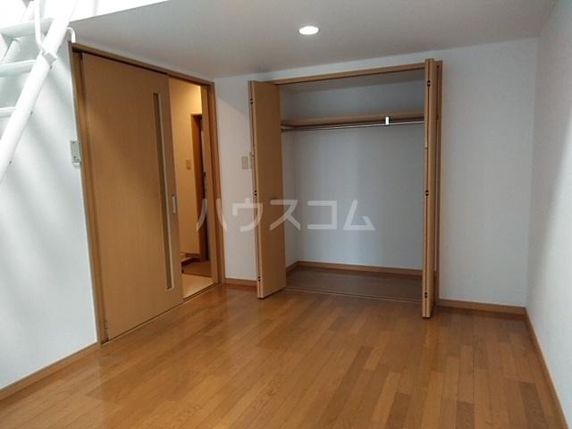 ハウスデュアル瑞江Ⅱ 202号室のリビング