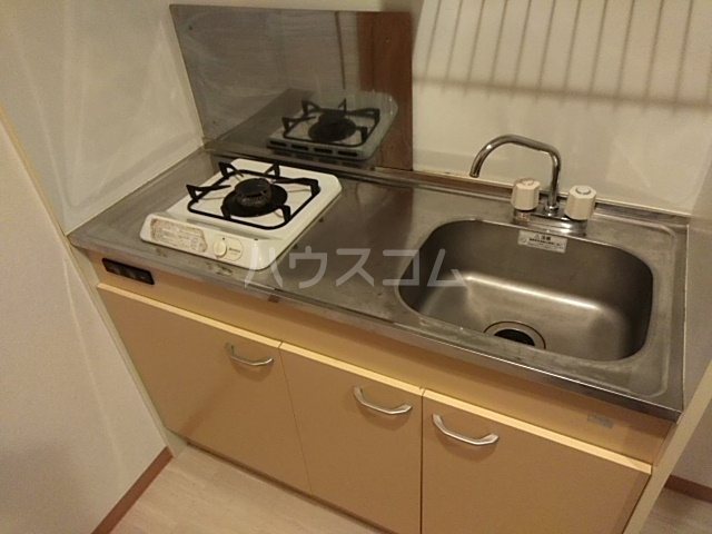 ハウスデュアル瑞江Ⅱ 202号室のキッチン