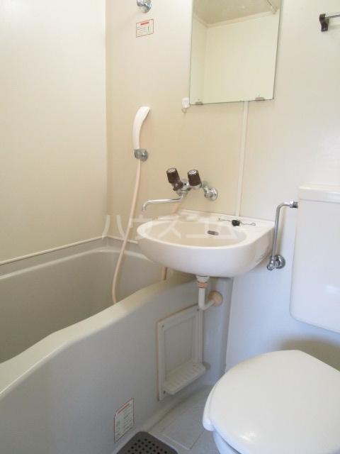 グリーンビレッヂ 101号室の風呂