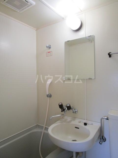 グリーンビレッヂ 101号室の洗面所