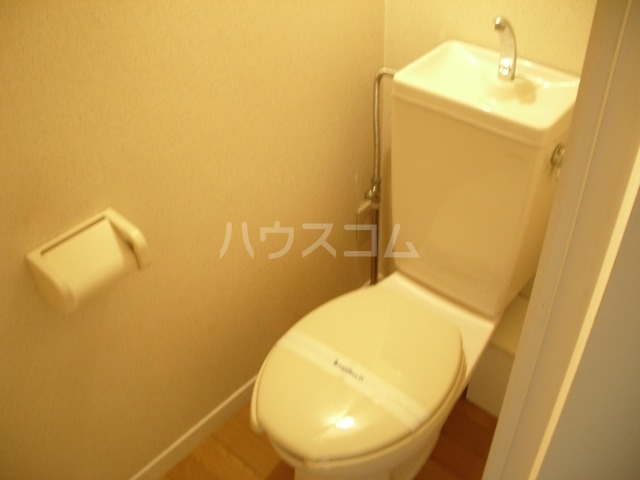 レオパレスルプラン 101号室のトイレ